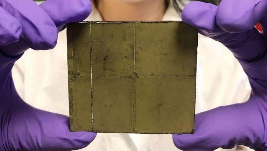 Folha artificial gera energia limpa apenas com água, luz solar e CO2