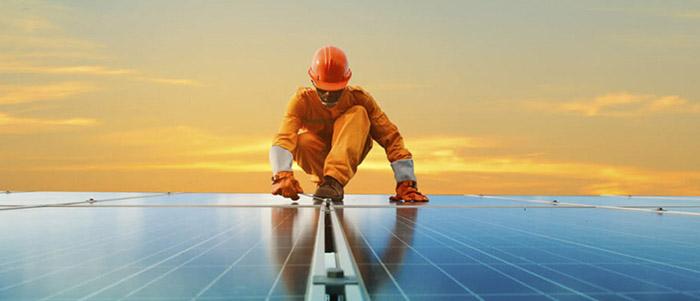 A partir de 2035, a energia solar fotovoltaica se tornará a fonte de geração elétrica mais utilizada globalmente